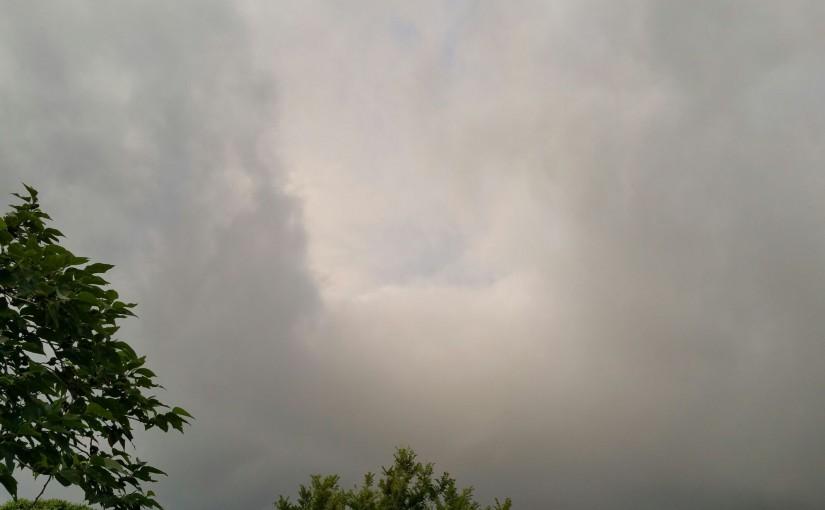 三宅島の遷ろう雲海